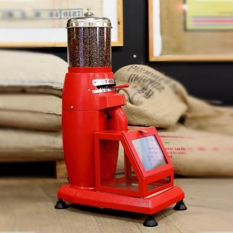 mlýnek na kávu toper